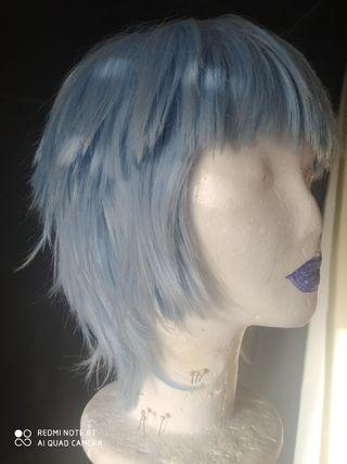 Peluca corta azul cielo