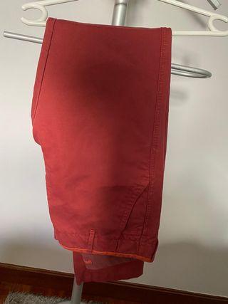pantalón granate