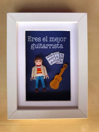 CUADRO REGALO PLAYMOBIL GUITARRISTA