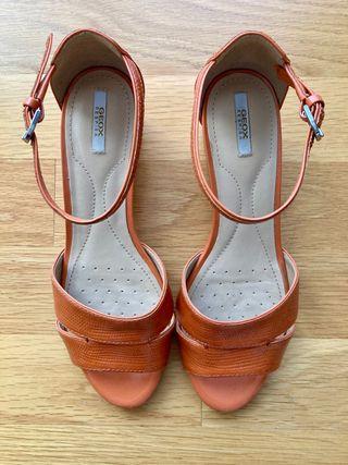 Sandalias de cuña y pulsera Geox. T.38