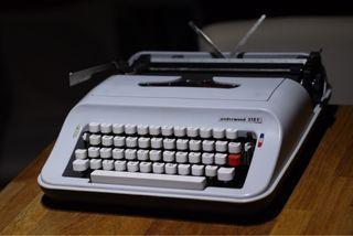 Máquina de escribir vintage 1970