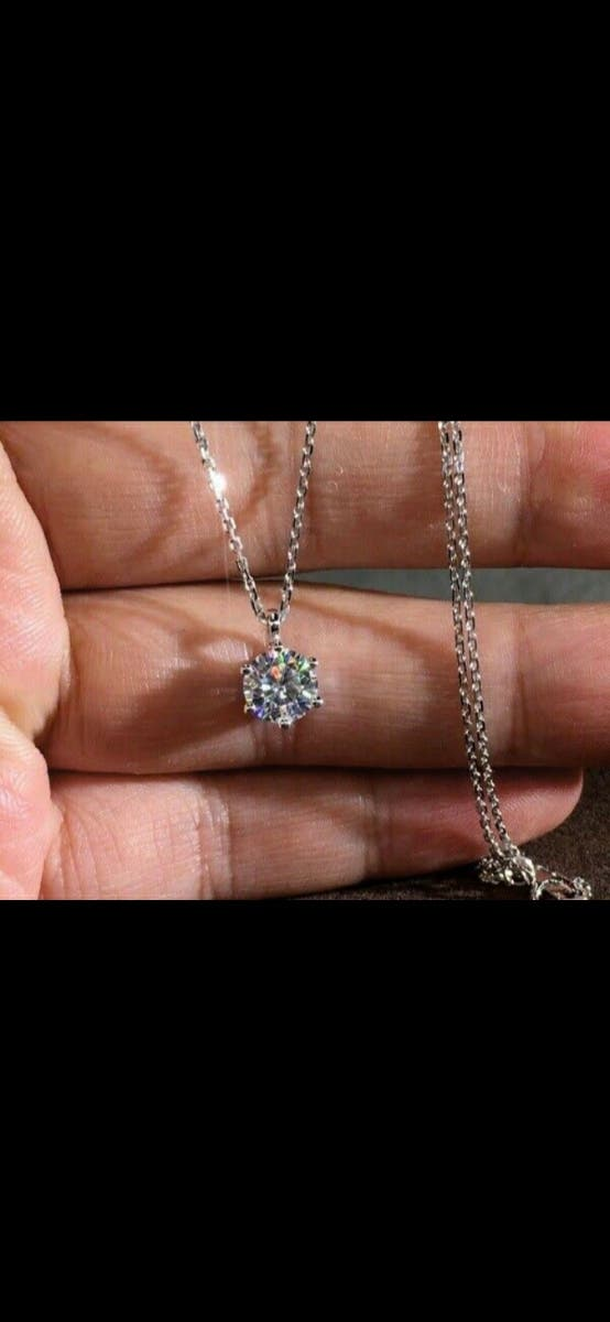 9crt white gold dimond necklace