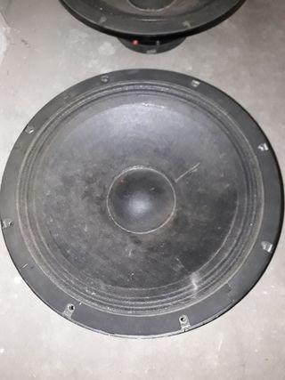 Altavoces RCF L18S800
