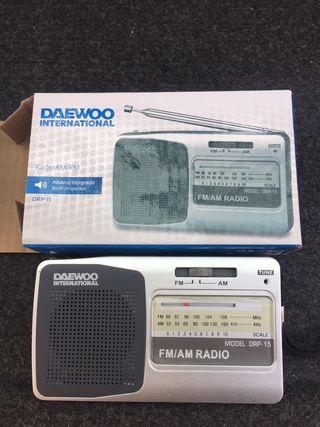 Radio transistor de bolsillo Daewoo