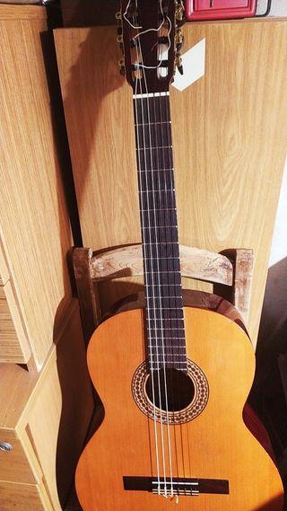 vendo guitarra flamenca