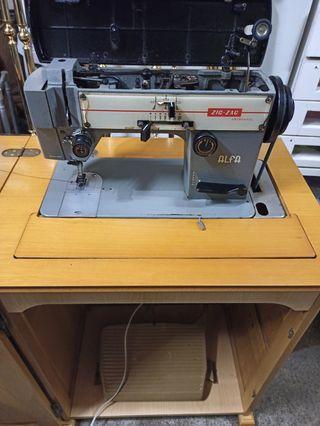 máquina de coser Alfa zig zag artesanal