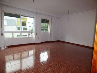 Se vende piso con garaje en El Rocío.
