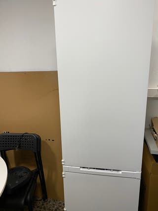 Nevera-congeladle NO FROST Electrolux (Ikea) panel