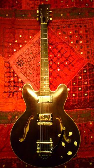 guitarra semicaja