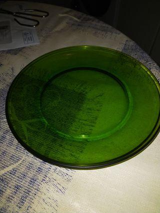 Lote 6 platos llanos de Duralex en color verde