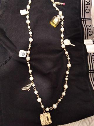 Collar Perlas Naturales con Colgantes mod. Chanel