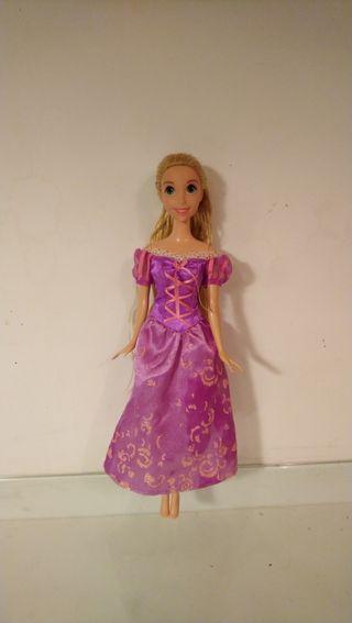 Muñeca Rapunzel Princesas Disney de Mattel