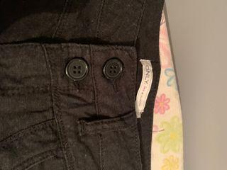 Falda negra corta- Only