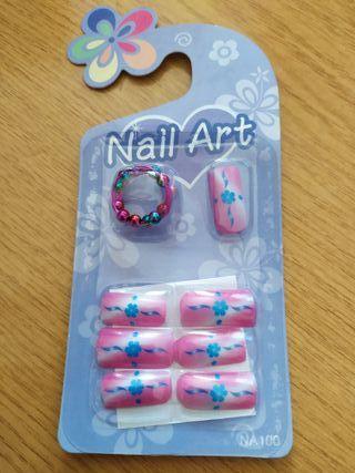 Uñas postizas con adhesivo y anillo incluido. 7