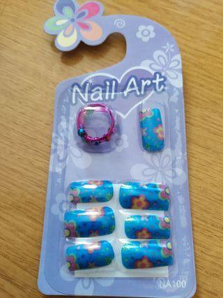 Uñas postizas con adhesivo y anillo incluido 8