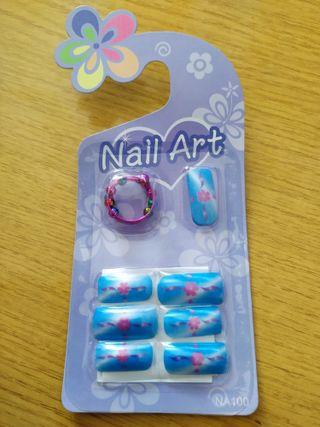 Uñas postizas con adhesivo y anillo incluido. 2