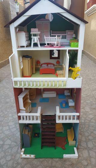 casa madera muñecas