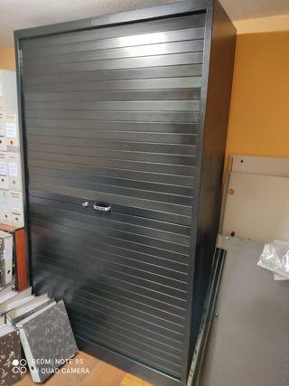 Mueble metálico negro de persiana super/inferior
