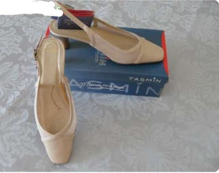 Zapatos beige con ancho especial
