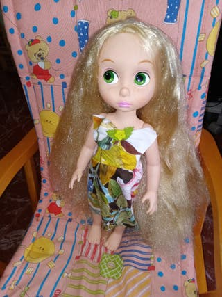 preciosa muñeca Rapunzel