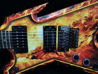 Guitarra Dean zurdo / zurda Explosion