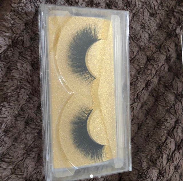 Eyelashes - beauty - self care