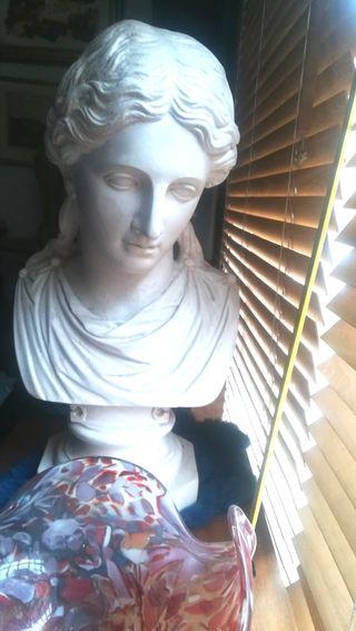 Magnífica escultura clásica de escayola
