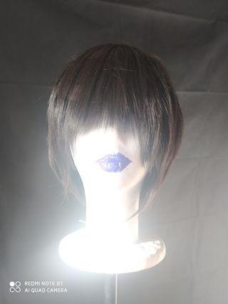 Peluca castaña oscura