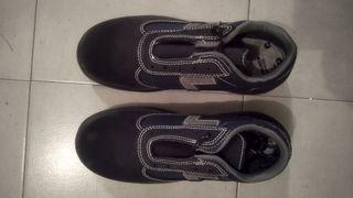Zapato de seguridad. Marca Robusta. Modelo TUYA