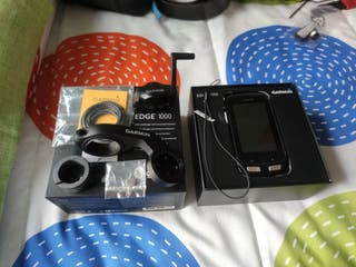Garmin Edge 1000 con accesorios