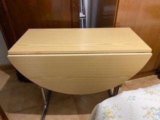Mesa cocina + 2 sillas