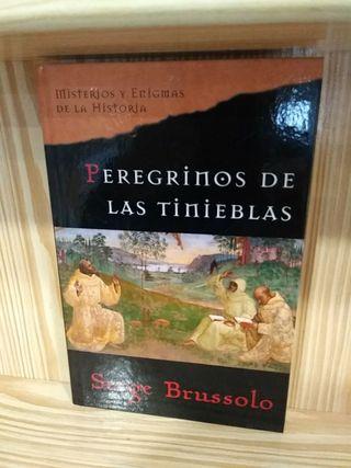Libro Peregrinos de las tinieblas Serge Brussolo