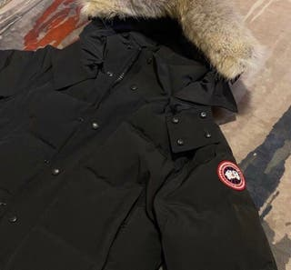 Black canada goose parka jacket