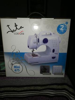 Máquina de coser Jata mini 675