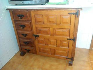 Mueble con máquina de coser refrey