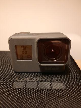 GoPro Hero5 Black con accesorios