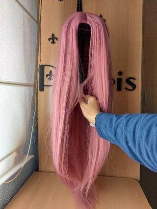 Peluca sintética rosa