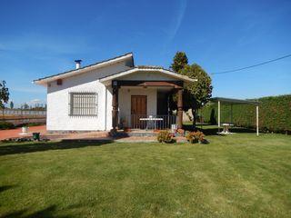 Casa independiente con piscina y jardín en La Bañeza