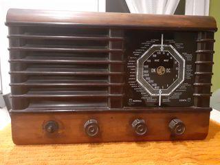 Radio Vintage . Antigua . Coleccion.