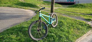 Bicicleta Dirt 24'