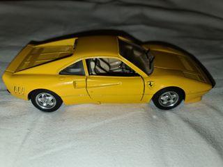 Maqueta de Coche Ferrari GTO 1984 Amarillo
