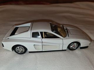 Maqueta de Coche Ferrari Testarossa 1984 Blanco