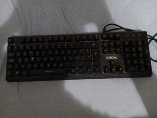 teclado mecanico krom , switch blue