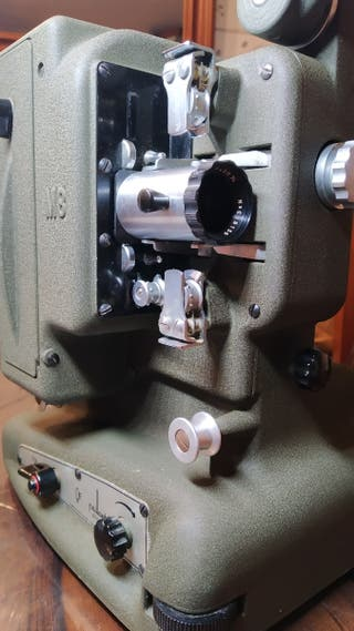 Proyector de cine Paillard Bolex M8