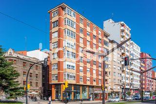Piso en venta de 76 m² en Avenida Constitución, 33