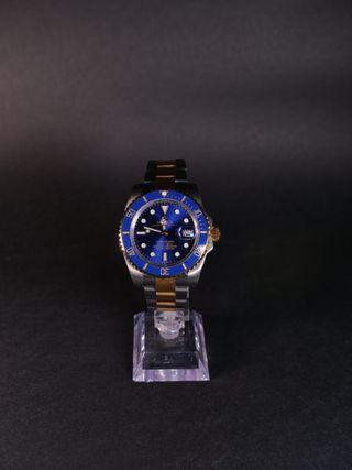 Reloj azul sin cronometro
