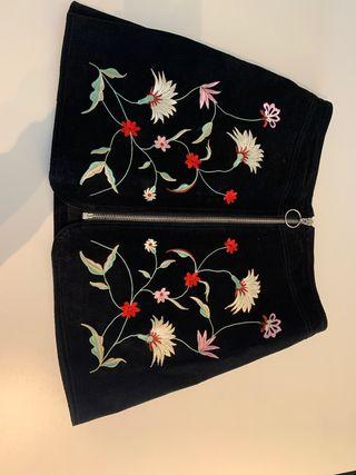 Falda ante de flores Zara