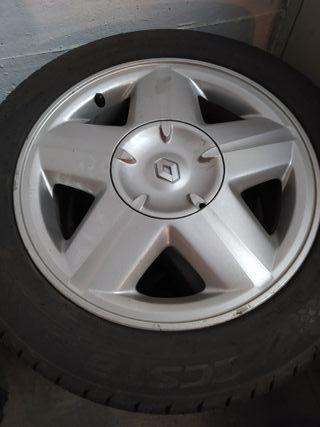 Ruedas Renault con llantas