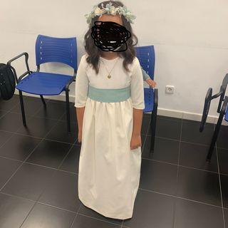 Vestido de comunión de la firma Petritas.