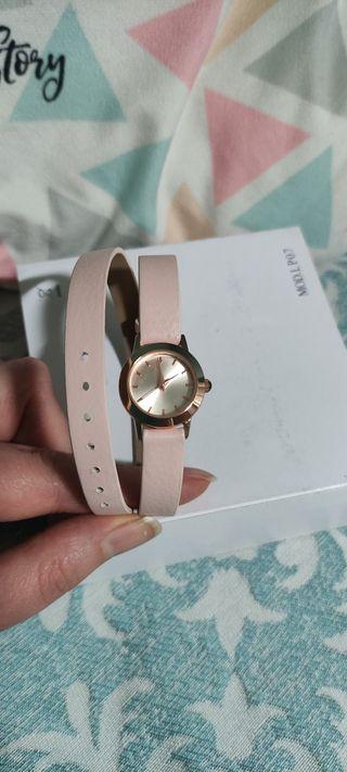 Reloj de pulsera rosa Bijou Brigitte